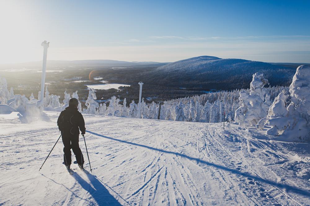 Narty w ośrodku sportów zimowych Ruka